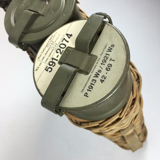Zwitserse granaten korf met metalen kokers